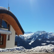 L'architecture de l'office de tourisme de La Rosière