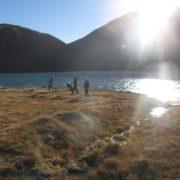 Observer le lac avec les jeunes : une activité qui peut créer des vocations