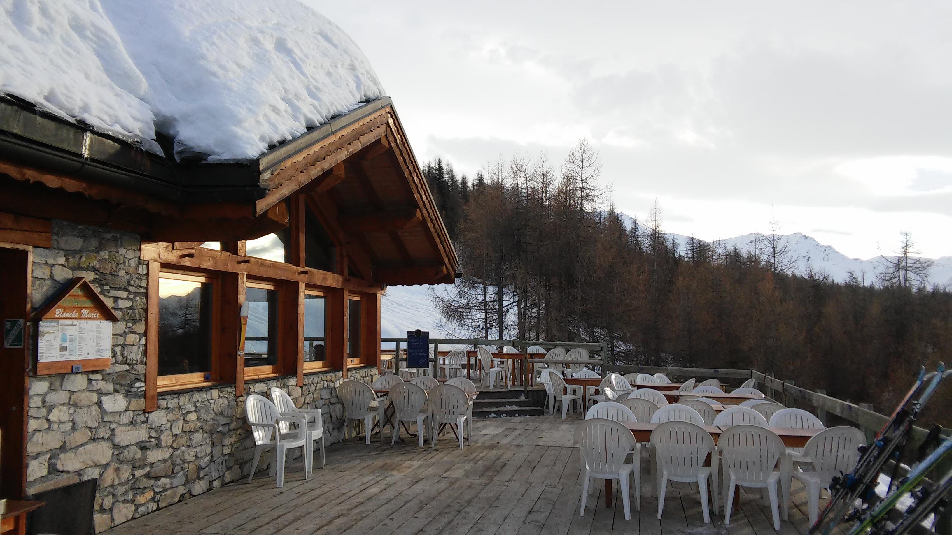 Ecombelles - La Blanche Murée, bar d'altitude aux Arcs Charmettoger