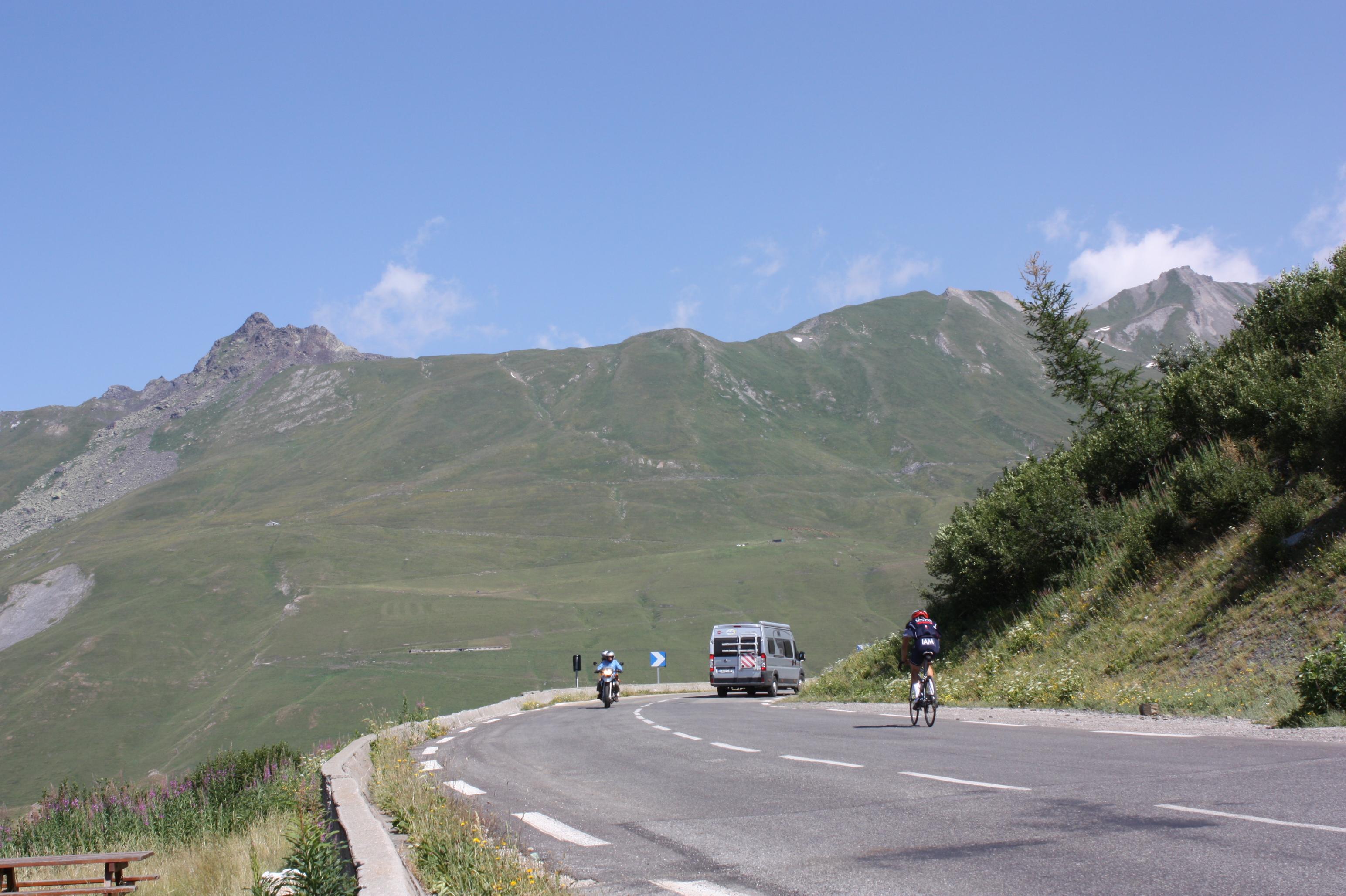 (Français) Montée à vélo - Montvalezan